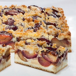 Plum slice with butter crumbles